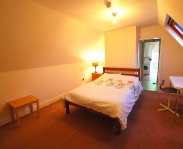 14 Manchester Road,Broomhill,Sheffield S10 5DF,7 Bedrooms Bedrooms,3 BathroomsBathrooms,Flat,1183