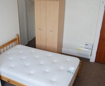 1 Bedrooms, Bedsit, Professional, 1 Bathrooms, Listing ID 1323, 32 Beech Hill Road Flat 5, Broomhill, Sheffield, S10 2SB,