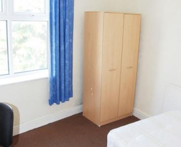 55 Pickmere Road,Crookes,Sheffield S10 1GY,5 Bedrooms Bedrooms,2 BathroomsBathrooms,Semi-detached,1026
