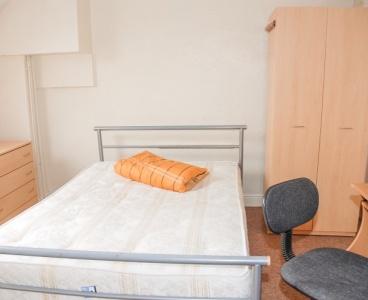 6 Brighton Terrace,Crookes,Sheffield S10 1NU,4 Bedrooms Bedrooms,1 BathroomBathrooms,Detached,1454
