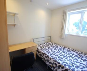 65 Nairn Street,Crookes,Sheffield S10 1UN,4 Bedrooms Bedrooms,1 BathroomBathrooms,Terraced,1526