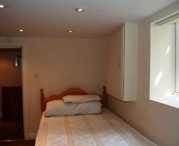 228 Broomhall Street,Broomhall,Sheffield S3 7SQ,7 Bedrooms Bedrooms,2 BathroomsBathrooms,Terraced,1050