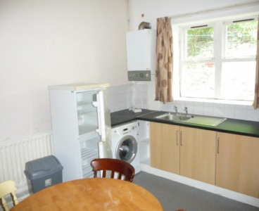 Sheffield,18a Manchester Road,Broomhill,Sheffield S10 5DF,3 Bedrooms Bedrooms,1 BathroomBathrooms,Flat,1570