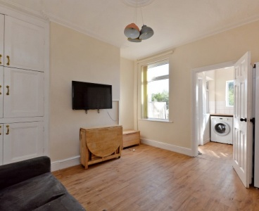 Crookes,28 Clementson Road,Crookes,Sheffield S10 1GS,4 Bedrooms Bedrooms,1 BathroomBathrooms,Terraced,1579