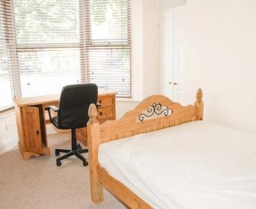 42 Cemetery Avenue,Ecclesall,Sheffield S11 8NT,6 Bedrooms Bedrooms,2 BathroomsBathrooms,Terraced,1063