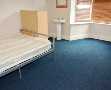 31 Cemetery Avenue,Ecclesall,Sheffield S11 8NT,6 Bedrooms Bedrooms,2 BathroomsBathrooms,Terraced,1064