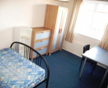 47 Stalker Lees Road,Ecclesall,Sheffield S11 8NP,5 Bedrooms Bedrooms,2 BathroomsBathrooms,Terraced,1089